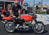 Bruce Fickling and his 1972 Norton 750 Commando Fastback